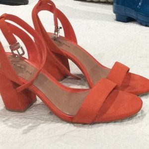 Orange sandals for fall or Halloween shoes!